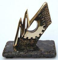 Troféu Guia Metal Mecânica :: Atelier Yone Di Alerigi ® Arte Projetos